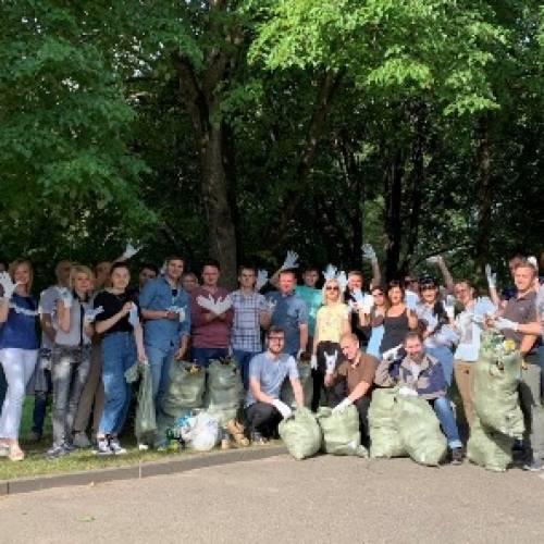 Команда ЭтикетСервис приняла участие в добровольной уборке леса
